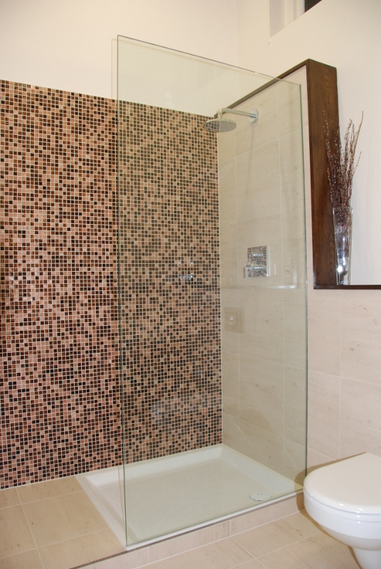Frameless Glass Shower Screens Built To Order